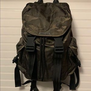 KENDALL & KYLIE CAMO BACKPACK